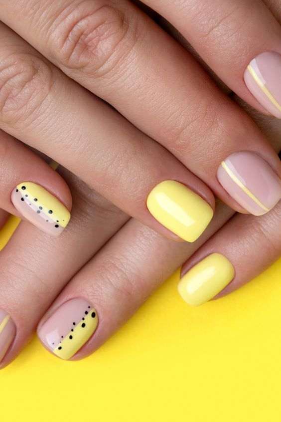 Minimal Short Pale Yellow Nails Design | Best Yellow Spring + Summer Nails Ideas