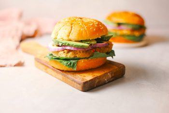 15-Minute Chickpea Burgers (Vegan, Gluten-Free) Recipe + Photo by WOWITSVEGGIE.COM