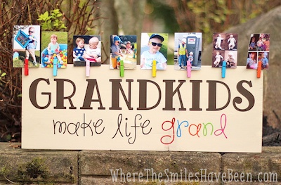 "Homemade Gift Idea for Grandparents Day: ""Grandkids Make Life Grand"" DIY Wood Sign + Photo Display (via Where the Smiles Have Been)"