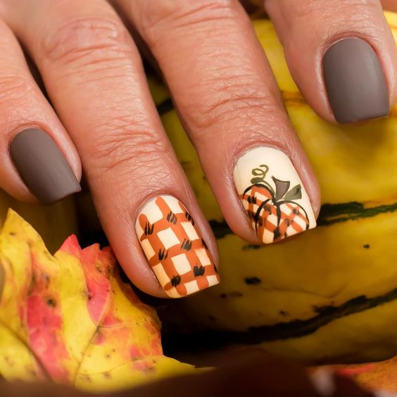 Fall Nails Ideas | Matte Shabby Chic Square Acrylic Fall Nails Design with Pumpkin