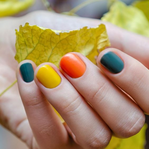Fall Nails Ideas | Short Nails with Bright Fall Colors