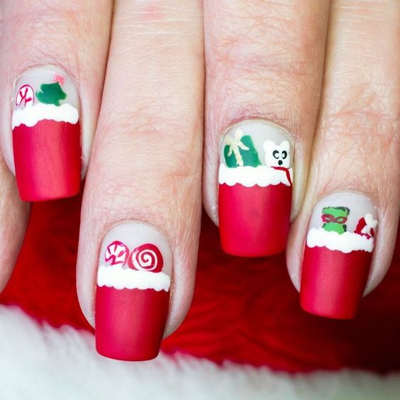 Easy Fun Holiday Christmas Nails Red and Green Designs
