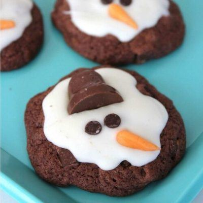 Melting Snowman Decorated Christmas Cookies with Chocolate Hats