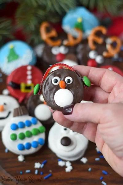Adorable Oreo Dipped Decorated Christmas Cookies